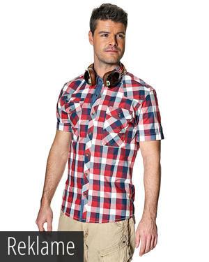 010f2c4cf48 Skjorten her er uden tvivl en bestseller. Prisen er presset helt i bund,  mens kvaliteten er i top. Designet er utrolig gennemtænkt, ...