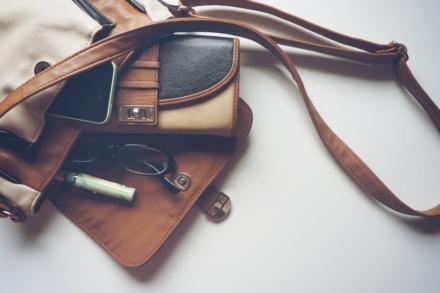 Sådan organiserer du din taske, så den ikke bliver et stort rod